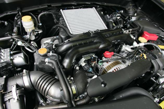 2.0L ターボエンジン