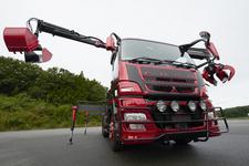 """三菱ふそう、まるで""""蜘蛛""""のようなコンセプトトラックを東京モーターショー2015に出展"""
