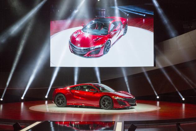 デトロイトモーターショー2015で初公開された新型NSX