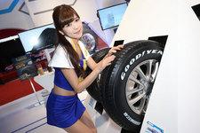 『東京モーターショー2015』で発見したスレンダー美女【コンパニオン写真特集】