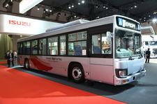 路線バスの進化が止まらない!いすゞ、路線バス用車両「エルガ」【TMS2015】