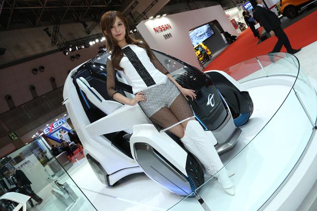 超小型EVコミューターの未来形、トランスフォームするコムス・コネクト【TMS2015】