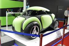 """話題の""""もこもこ""""エアバッグカーが超可愛い!「フレスビー」【TMS2015】"""