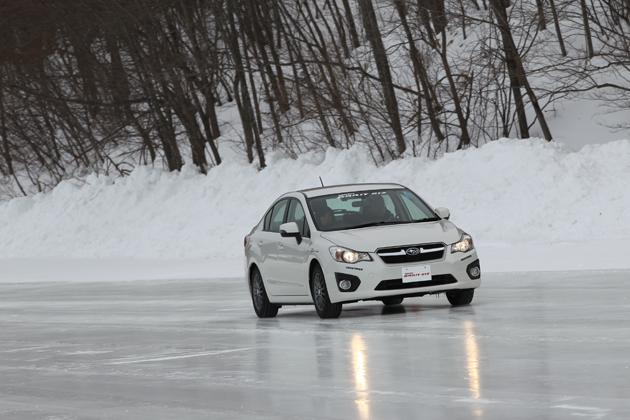 氷上、コーナー、圧雪路・・・様々な路面でスタッドレスを試してみた/ 「トーヨー オブザーブ・ガリットギズ」試乗レポート