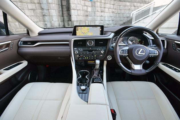 よりLEXUSらしくラグジュアリーに/レクサス 新型 RX200t・RX450hハイブリッド 試乗レポート