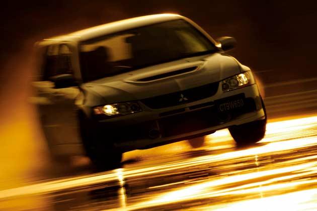 三菱 ランサーエボリューションワゴン(2005年発売)