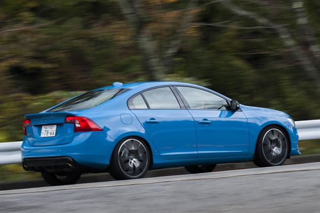 ボルボ 限定スポーツモデル「S60 ポールスター」「V40 R-DESIGN カーボン・エディション」 試乗レポート