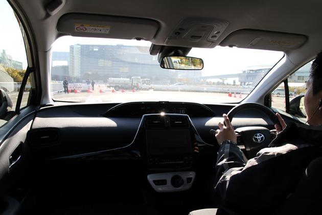 これで積雪地方もプリウスが買える!! 4代目にして初採用の4WDモデルを速攻試乗