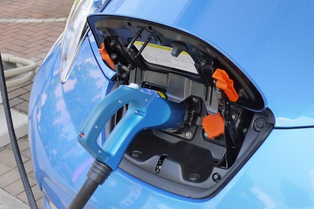 政府目標から2030年、自家用車パワーユニットの主役は「EV」でいよいよ決定的か