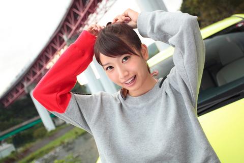 ファインダー越しに昌子の笑顔を見てると、妄想モードのスイッチが入るタカノであった。