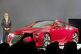 豊田章男社長自らのプレゼンで新生レクサスの門出として発表した「LC500」