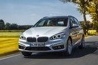 BMW新型「225xeアクティブ ツアラー」にプラグインハイブリッドモデルが登場