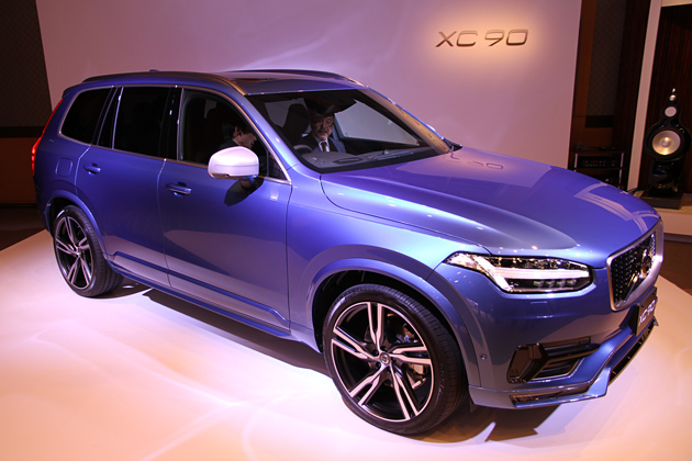 ボルボ 新型XC90 T6 AWD R-DESIGN
