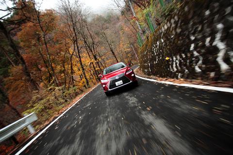 今日のタカノの愛車は、アグレッシブなスピンドルグリルで見る者を圧倒する「レクサス RX450h」。