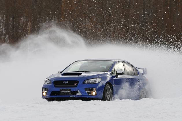 豪雪地でもスバルの四駆は圧倒的に強い!レヴォーグ・WRXなど「VTD-AWD」/「DCCD」編