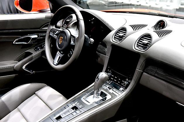 ポルシェ 新型「718ボクスターS」