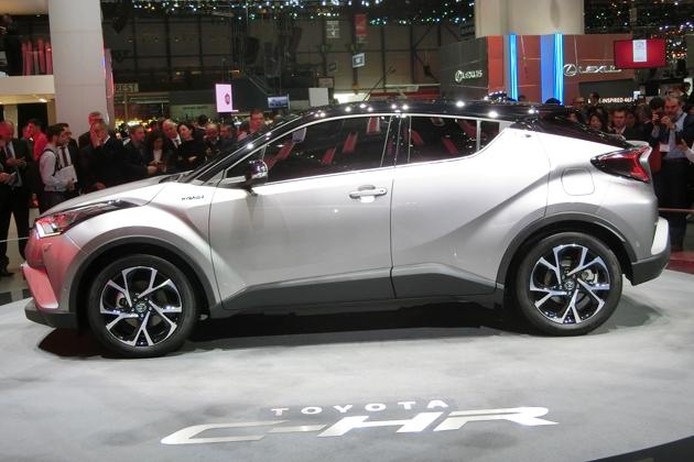 """トヨタC-HRはデザイン勝負?トヨタが今年の""""イチオシ""""に推すSUV、実は一番のウリは走り!"""