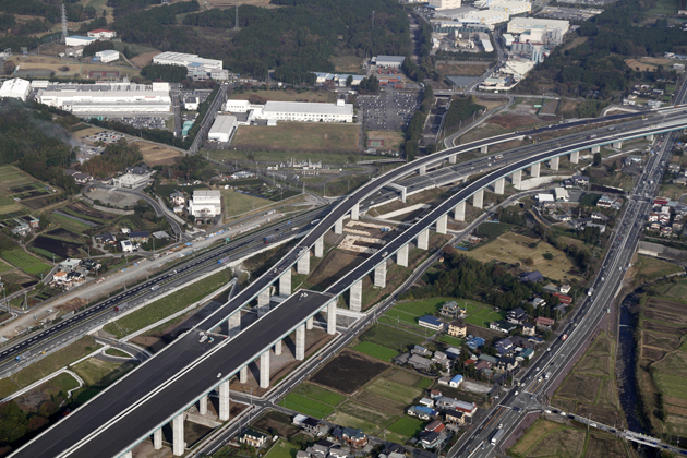 高速道路の制限速度見直し決定!日本の高速道路120km/h化で事故は減るのか?