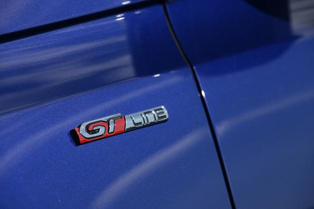 充実装備に戦略的価格設定。ドイツ車的な側面も持ち合わせるプジョー 308 GTライン試乗レポート