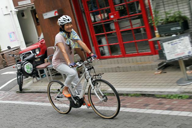 自転車 走行イメージ