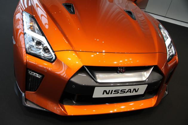 NISSAN GT-R 2017年モデル(アルティメイトシャイニーオレンジ)