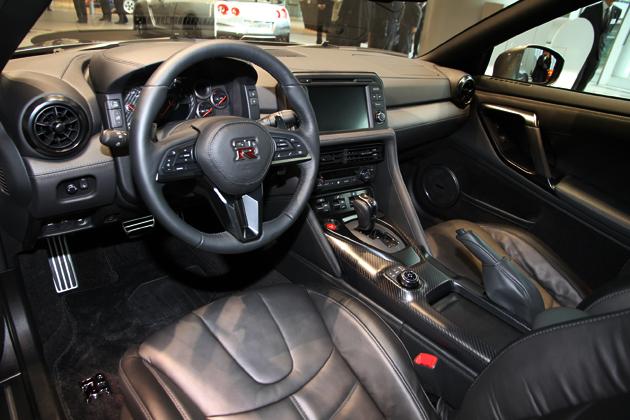 今夏発売予定の新型「GT R」2017年モデルが、今なら日産 グローバル本社ギャラリーで見れる! 画像28 新型車