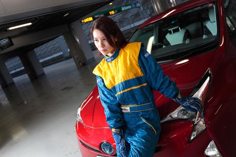 レースクイーンならぬ、レーサーとして活躍するサキちゃん。