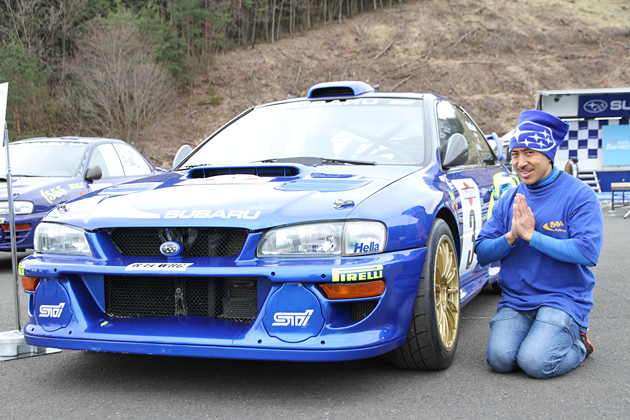 歴代WRCマシンにゴキゲンのマリオ高野氏