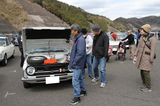 スバルファンである参加者の皆さんの愛車、貴重なスバル車も多く一日駐車場に居ても飽きません!