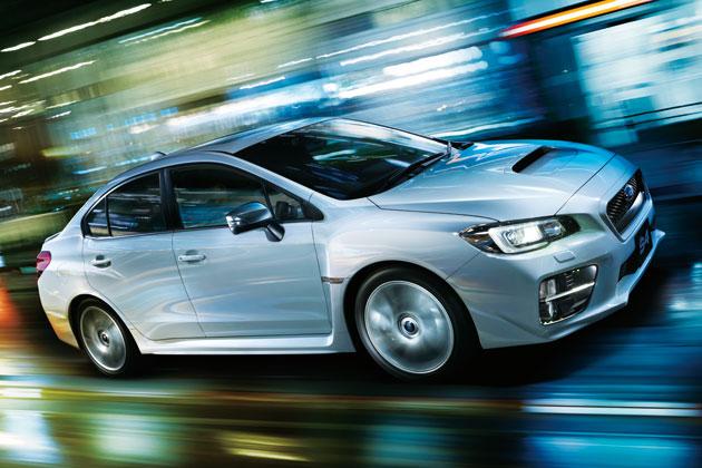 スバル WRX S4(写真は2.0GT-S EyeSight。サンルーフはメーカー装着オプション、LEDアクセサリーライナーはディーラー装着オプション)