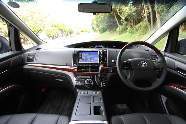 トヨタ エスティマハイブリッド(2012年マイナーチェンジモデル)