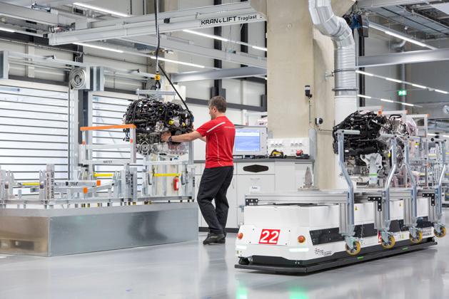 ドイツ・シュトゥットガルトのツッフェンハウゼンの中心に位置する「8気筒エンジン専用」の新工場