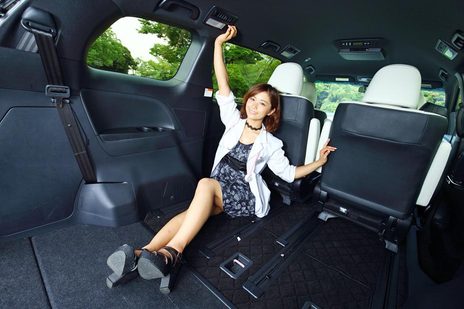 トヨタ エスティマ/安枝瞳の新型車診察しちゃうぞ!