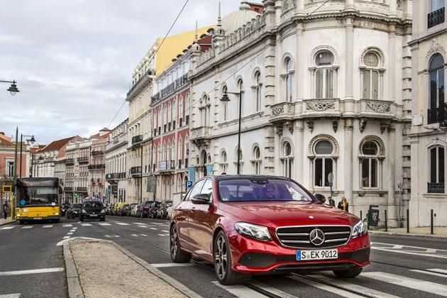車線が無くても前車を追従!メルセデス・ベンツ 新型Eクラスに搭載された「ドライブパイロット」【徹底解説】