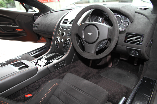 アストンマーティン ヴァンテージ GT8