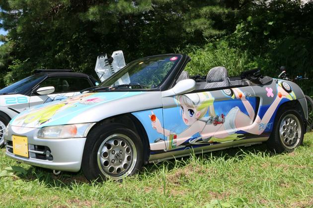 """車なごコレクションで自ら描いた「ホンダ ビート」キャラクターを本当に愛車のビートに""""痛車化""""してしまった「フミよ」さん"""