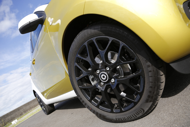 smart forfour turbo/smart fortwo cabrio turbo limited 試乗レポート/岡本幸一郎