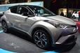 世界中でトヨタ新型「C-HR」の評判がウナギ上り!日本のライバル対抗策も満載