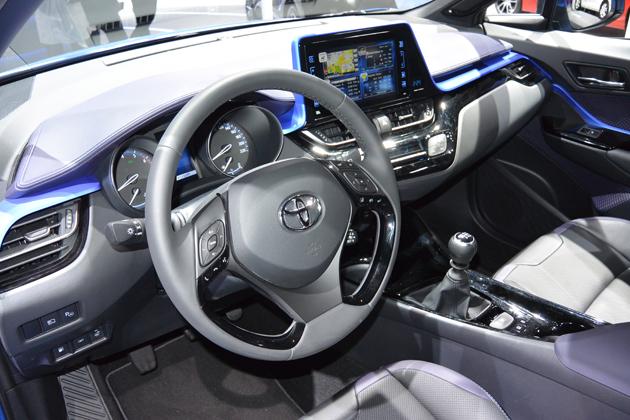 """新型「C-HR」、トヨタとしてはかなりの冒険!ちょっと違った""""攻め""""のモデル"""