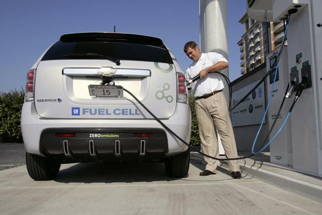 シボレーの燃料電池車 エクイノックス