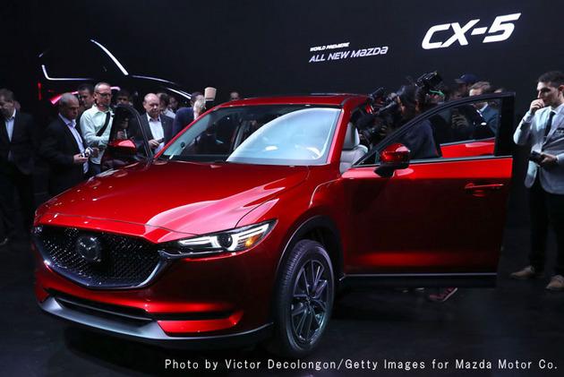 新型「マツダ CX-5」世界初公開ロサンゼルスオートショー前夜祭(11月15日現地時間)