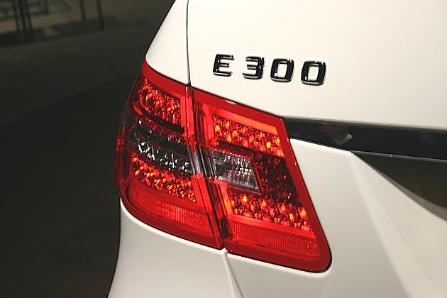 Eクラス E300 エンブレム