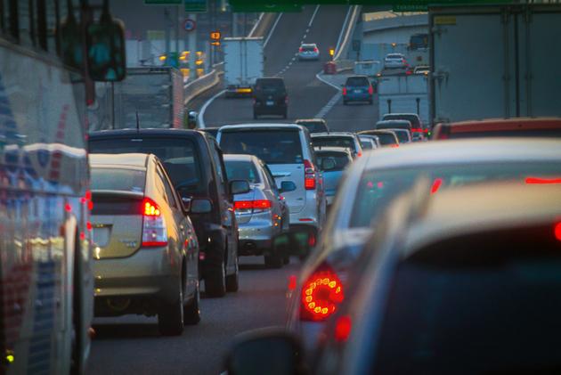 年始のUターン渋滞や長距離移動で眠気防止に効能発揮のカフェイン量は?