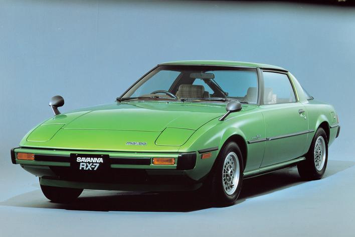 【1978年発売】初代サバンナRX-7