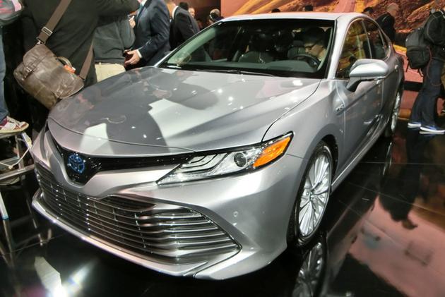 トヨタの新型カムリにアメリカ人も驚愕!米国のベストセラー車を大変貌させた理由