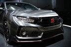 ホンダが新型シビックタイプRを日本初公開!シビック3モデルが今夏発売!
