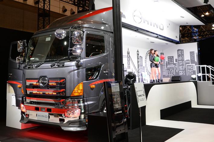 Fusion custom Truck(日野プロフィア カーゴ)