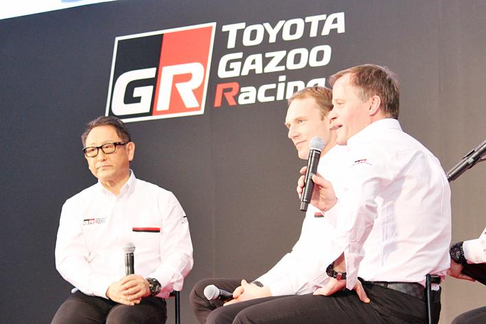 [左から]モリゾウ選手(豊田章男トヨタ自動車社長)、ヤリ‐マティ・ラトバラ選手、トミ・マキネン氏