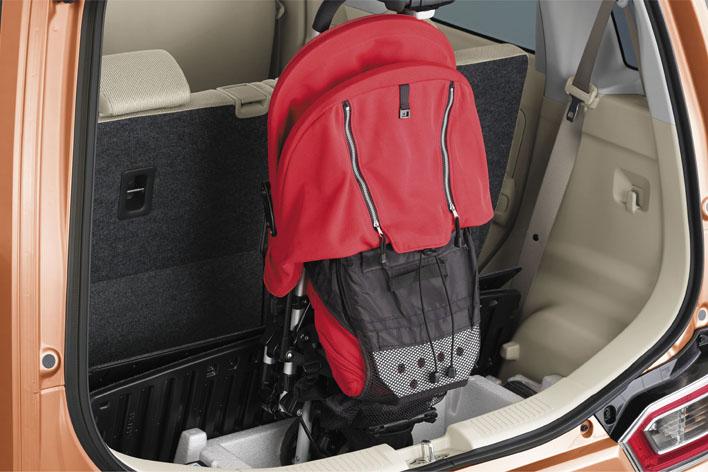 スズキ 新型ワゴンR ラゲッジアンダーボックス