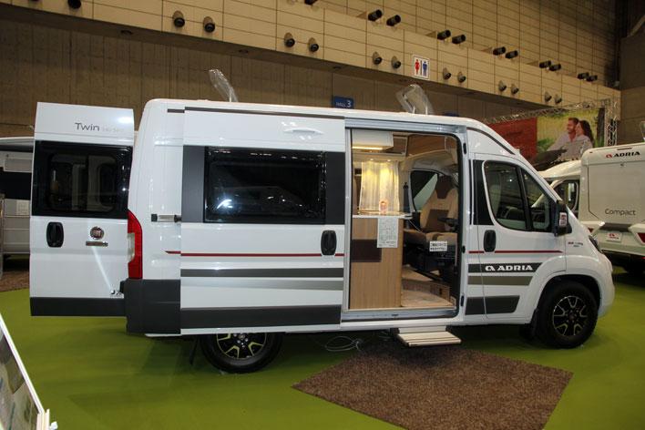 <フィアットデュカトベースのキャンピングカー「ADRIA TWIN 540SPT」(デルタリンク)>